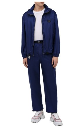 Мужская куртка PRADA синего цвета, арт. SGB929-1WQ9-F0216-212 | Фото 2 (Материал внешний: Синтетический материал; Кросс-КТ: Куртка, Ветровка; Длина (верхняя одежда): Короткие; Стили: Спорт-шик)