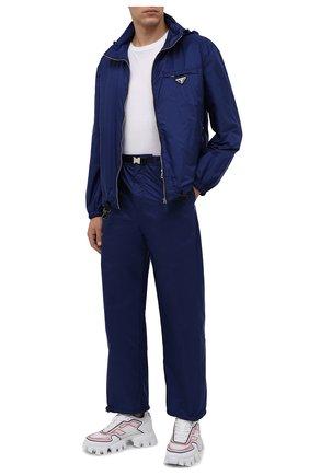 Мужские брюки PRADA синего цвета, арт. SPH151-1WQ9-F0216-212   Фото 2 (Материал внешний: Синтетический материал; Случай: Повседневный; Стили: Спорт-шик)