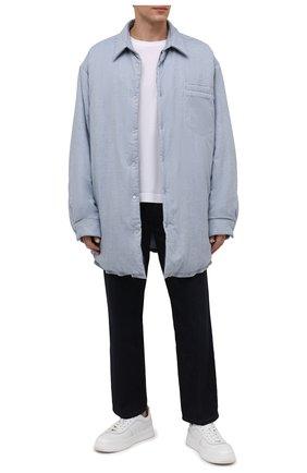 Мужская утепленная куртка MAISON MARGIELA голубого цвета, арт. S51DL0378/S54192   Фото 2 (Длина (верхняя одежда): До середины бедра; Материал подклада: Вискоза; Материал внешний: Хлопок; Рукава: Длинные; Кросс-КТ: Куртка; Мужское Кросс-КТ: утепленные куртки; Стили: Минимализм)