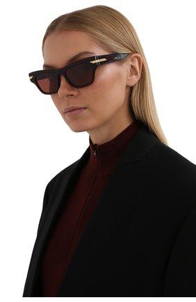 Женские солнцезащитные очки BOTTEGA VENETA бордового цвета, арт. 669573/V2330   Фото 2 (Материал: Пластик; Тип очков: С/з; Очки форма: Cat-eye; Оптика Гендер: оптика-женское)
