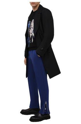 Мужские хлопковые брюки TEE LIBRARY синего цвета, арт. TFK-PT-21 | Фото 2 (Длина (брюки, джинсы): Стандартные; Материал внешний: Хлопок; Случай: Повседневный; Мужское Кросс-КТ: Брюки-трикотаж; Стили: Спорт-шик)