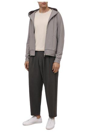Мужские брюки KAZUYUKI KUMAGAI хаки цвета, арт. AP12-246 | Фото 2 (Длина (брюки, джинсы): Укороченные; Материал внешний: Вискоза, Синтетический материал; Случай: Повседневный; Стили: Минимализм)
