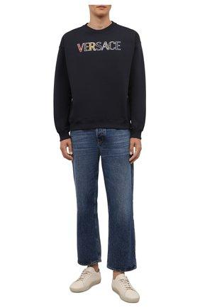 Мужской хлопковый свитшот VERSACE темно-синего цвета, арт. 1002480/1A01812 | Фото 2 (Материал внешний: Хлопок; Рукава: Длинные; Длина (для топов): Стандартные; Мужское Кросс-КТ: свитшот-одежда; Принт: С принтом; Стили: Спорт-шик)