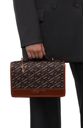 Женская сумка monogram VERSACE коричневого цвета, арт. 1001908/1A02129   Фото 2 (Ремень/цепочка: На ремешке; Размер: small; Материал: Экокожа; Сумки-технические: Сумки через плечо, Сумки top-handle)