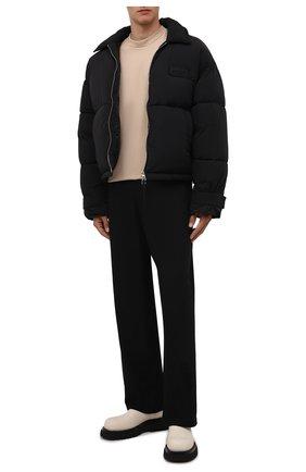 Мужские хлопковые брюки JACQUEMUS черного цвета, арт. 216PA008-1120 | Фото 2 (Длина (брюки, джинсы): Стандартные; Материал внешний: Хлопок; Случай: Повседневный; Стили: Минимализм)