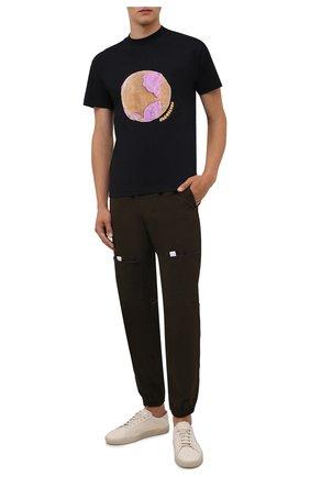 Мужская хлопковая футболка JACQUEMUS черного цвета, арт. 216JS104-2310 | Фото 2 (Рукава: Короткие; Длина (для топов): Стандартные; Материал внешний: Хлопок; Принт: С принтом; Стили: Гранж)
