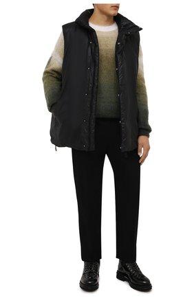 Мужской пуховый жилет KAZUYUKI KUMAGAI черного цвета, арт. VD12-321 | Фото 2 (Материал утеплителя: Пух и перо; Материал подклада: Синтетический материал; Материал внешний: Синтетический материал; Стили: Минимализм; Кросс-КТ: Куртка, Пуховик; Длина (верхняя одежда): Короткие)