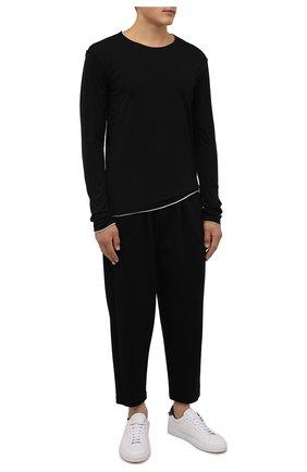 Мужские брюки KAZUYUKI KUMAGAI черного цвета, арт. AP12-246 | Фото 2 (Материал внешний: Синтетический материал, Вискоза; Случай: Повседневный; Стили: Минимализм; Длина (брюки, джинсы): Укороченные)