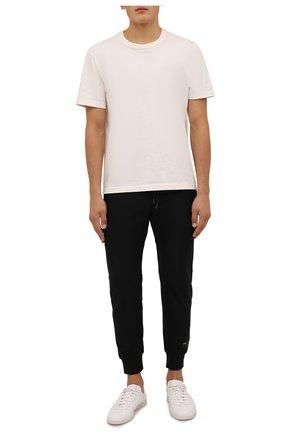 Мужские джоггеры KAZUYUKI KUMAGAI черного цвета, арт. AP12-250 | Фото 2 (Материал внешний: Синтетический материал; Силуэт М (брюки): Джоггеры; Стили: Спорт-шик; Длина (брюки, джинсы): Укороченные)