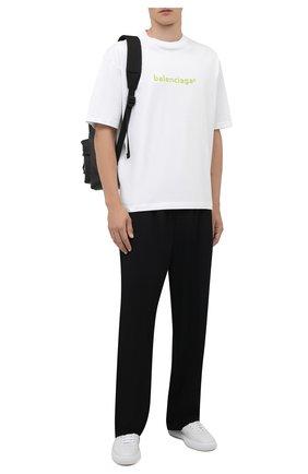 Мужская хлопковая футболка BALENCIAGA белого цвета, арт. 612966/TIV54 | Фото 2 (Материал внешний: Хлопок; Принт: С принтом; Рукава: Короткие; Длина (для топов): Стандартные)
