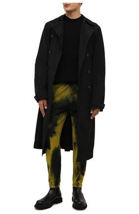 Мужские хлопковые джоггеры DIESEL желтого цвета, арт. A03302/0TCAN | Фото 2 (Материал внешний: Хлопок; Силуэт М (брюки): Джоггеры; Стили: Спорт-шик; Мужское Кросс-КТ: Брюки-трикотаж; Длина (брюки, джинсы): Стандартные)