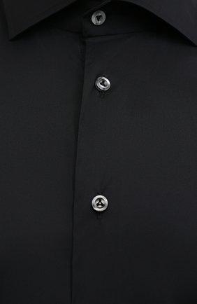 Мужская хлопковая сорочка VAN LAACK черного цвета, арт. RIVARA-SF/150185 | Фото 5 (Манжеты: На пуговицах; Рукава: Длинные; Воротник: Акула; Длина (для топов): Стандартные; Рубашки М: Slim Fit; Материал внешний: Хлопок; Стили: Классический; Случай: Формальный; Принт: Однотонные)