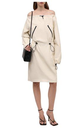 Женское кожаное платье BOTTEGA VENETA кремвого цвета, арт. 664725/V13X0   Фото 2 (Длина Ж (юбки, платья, шорты): До колена; Рукава: Длинные; Стили: Гламурный; Случай: Повседневный; Женское Кросс-КТ: Платье-одежда)