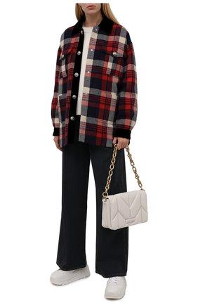 Женские джинсы MIU MIU темно-синего цвета, арт. GWP399-1ZGM-F0002   Фото 2 (Материал внешний: Хлопок; Длина (брюки, джинсы): Стандартные; Стили: Кэжуэл; Кросс-КТ: Деним; Силуэт Ж (брюки и джинсы): Широкие)