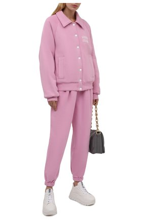 Женские хлопковые джоггеры MIU MIU розового цвета, арт. MJP259-1ZF3-F0E18   Фото 2 (Материал внешний: Хлопок; Стили: Спорт-шик; Кросс-КТ: Трикотаж; Длина (брюки, джинсы): Укороченные; Женское Кросс-КТ: Джоггеры - брюки; Силуэт Ж (брюки и джинсы): Джоггеры)