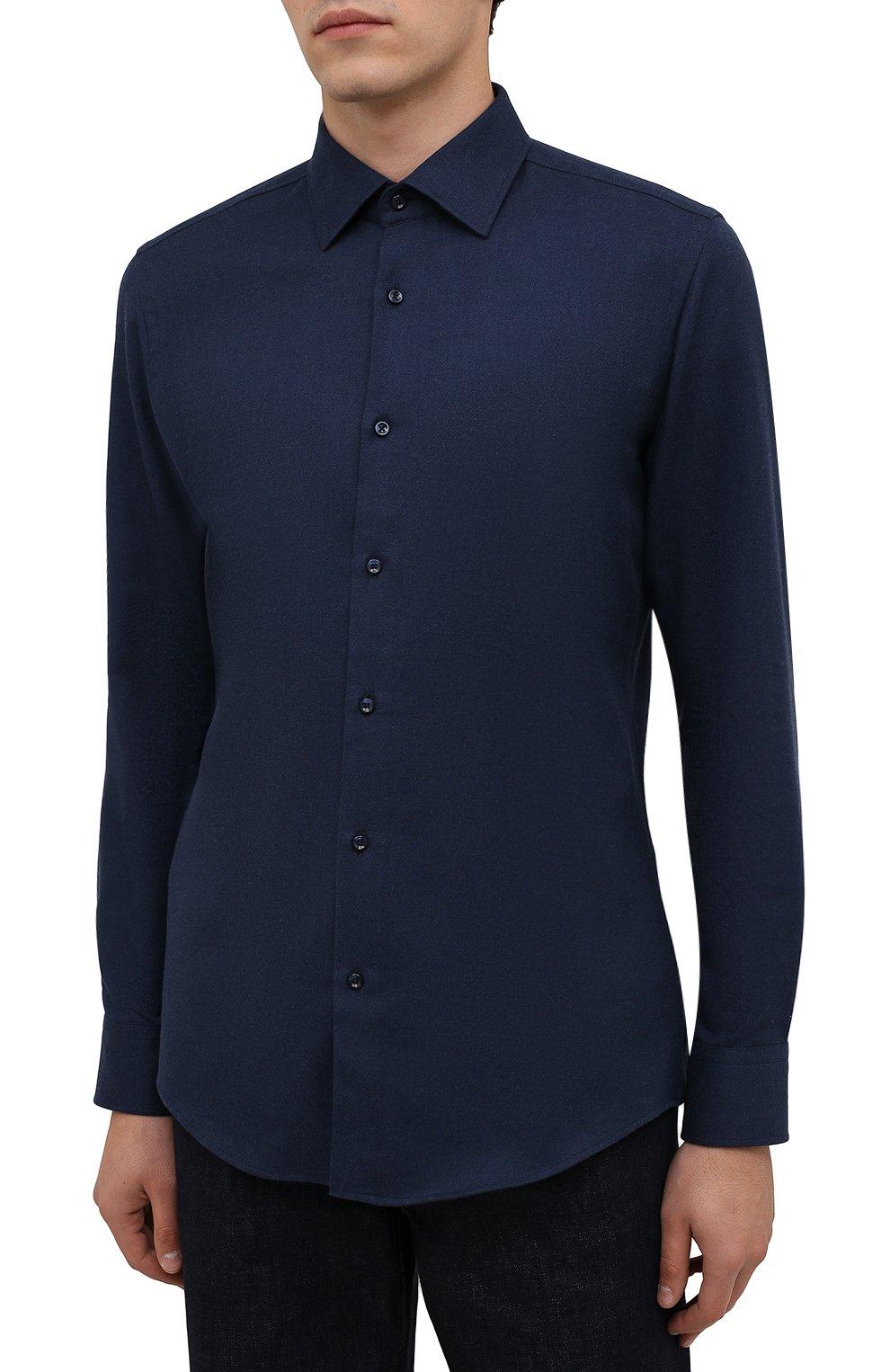Мужская хлопковая рубашка BOSS темно-синего цвета, арт. 50460111   Фото 3 (Манжеты: На пуговицах; Воротник: Кент; Рукава: Длинные; Случай: Повседневный; Длина (для топов): Стандартные; Материал внешний: Хлопок; Принт: Однотонные; Стили: Кэжуэл)