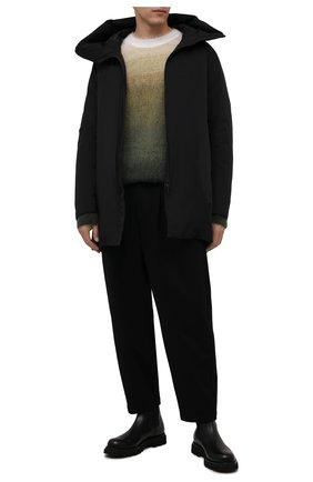 Мужская пуховик KAZUYUKI KUMAGAI черного цвета, арт. AC12-223 | Фото 2 (Материал подклада: Синтетический материал; Материал внешний: Синтетический материал; Материал утеплителя: Пух и перо; Кросс-КТ: Куртка; Мужское Кросс-КТ: пуховик-короткий; Рукава: Длинные; Длина (верхняя одежда): До середины бедра; Стили: Минимализм)