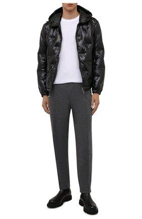 Мужская пуховая куртка EMPORIO ARMANI черного цвета, арт. 6K1B93/1NYWZ | Фото 2 (Материал утеплителя: Пух и перо; Рукава: Длинные; Материал внешний: Синтетический материал; Длина (верхняя одежда): Короткие; Материал подклада: Синтетический материал; Кросс-КТ: Куртка; Мужское Кросс-КТ: пуховик-короткий; Стили: Кэжуэл)
