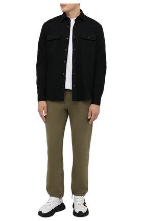 Мужская хлопковая рубашка ERMENEGILDO ZEGNA черного цвета, арт. UYX13/STT3 | Фото 2 (Длина (для топов): Стандартные; Рукава: Длинные; Материал внешний: Хлопок; Случай: Повседневный; Воротник: Кент; Принт: Однотонные; Манжеты: На пуговицах; Стили: Кэжуэл)