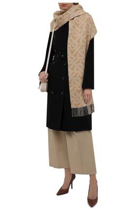 Женский двусторонний шарф из кашемира BURBERRY бежевого цвета, арт. 8045177   Фото 2 (Материал: Кашемир, Шерсть)