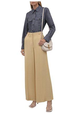 Женская шелковая рубашка GIORGIO ARMANI синего цвета, арт. 1WHCC020/T02XE | Фото 2 (Рукава: Длинные; Длина (для топов): Стандартные; Материал внешний: Шелк; Женское Кросс-КТ: Рубашка-одежда; Принт: Без принта; Стили: Кэжуэл)
