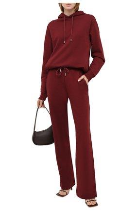 Женские хлопковые брюки DRIES VAN NOTEN бордового цвета, арт. 212-011112-3608 | Фото 2 (Материал внешний: Хлопок; Длина (брюки, джинсы): Стандартные; Женское Кросс-КТ: Брюки-одежда; Стили: Спорт-шик; Силуэт Ж (брюки и джинсы): Прямые)
