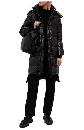 Женский пуховик REDVALENTINO черного цвета, арт. WR0CP00G/668   Фото 2 (Материал подклада: Синтетический материал; Рукава: Длинные; Материал утеплителя: Пух и перо; Материал внешний: Синтетический материал; Длина (верхняя одежда): До колена; Стили: Гламурный; Кросс-КТ: Пуховик)