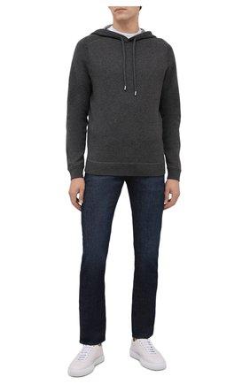 Мужские джинсы BOSS темно-синего цвета, арт. 50458104 | Фото 2 (Материал внешний: Хлопок; Длина (брюки, джинсы): Стандартные; Кросс-КТ: Деним; Детали: Потертости; Силуэт М (брюки): Прямые; Стили: Кэжуэл)