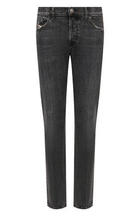 Мужские джинсы DIESEL серого цвета, арт. A00522/09A22 | Фото 1 (Материал внешний: Хлопок; Длина (брюки, джинсы): Стандартные; Кросс-КТ: Деним; Детали: Потертости; Силуэт М (брюки): Прямые; Стили: Гранж)