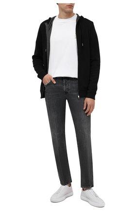 Мужские джинсы DIESEL серого цвета, арт. A00522/09A22 | Фото 2 (Материал внешний: Хлопок; Длина (брюки, джинсы): Стандартные; Кросс-КТ: Деним; Детали: Потертости; Силуэт М (брюки): Прямые; Стили: Гранж)