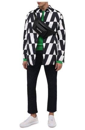 Мужская пуховая куртка VALENTINO черно-белого цвета, арт. WV0CNA967WP | Фото 2 (Длина (верхняя одежда): До середины бедра; Материал внешний: Синтетический материал; Материал утеплителя: Пух и перо; Материал подклада: Синтетический материал; Рукава: Длинные; Кросс-КТ: Куртка; Мужское Кросс-КТ: утепленные куртки; Стили: Минимализм)