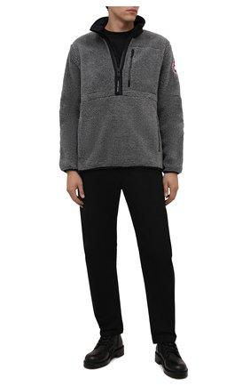 Мужская анорак CANADA GOOSE серого цвета, арт. 7053M | Фото 2 (Материал внешний: Синтетический материал; Рукава: Длинные; Длина (верхняя одежда): Короткие; Кросс-КТ: Куртка; Мужское Кросс-КТ: утепленные куртки; Стили: Спорт-шик)