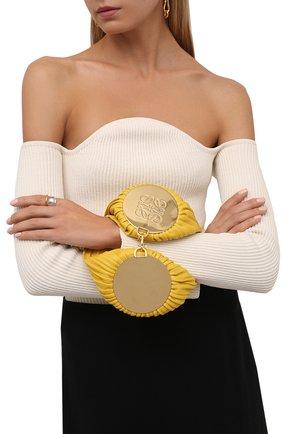 Женская сумка bracelet LOEWE желтого цвета, арт. C912P84X02 | Фото 2 (Материал: Натуральная кожа; Размер: small; Сумки-технические: Сумки через плечо; Женское Кросс-КТ: Вечерняя сумка)