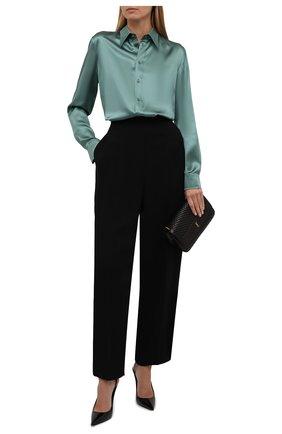 Женская шелковая рубашка RALPH LAUREN зеленого цвета, арт. 290858215 | Фото 2 (Материал внешний: Шелк; Стили: Романтичный; Рукава: Длинные; Женское Кросс-КТ: Рубашка-одежда; Длина (для топов): Стандартные; Принт: Без принта)