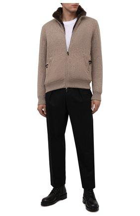 Мужской кашемировый бомбер с меховой подкладкой SVEVO светло-бежевого цвета, арт. 0140SA21/MP01/2 | Фото 2 (Материал внешний: Кашемир, Шерсть; Кросс-КТ: Куртка; Мужское Кросс-КТ: утепленные куртки; Стили: Кэжуэл; Принт: Без принта; Длина (верхняя одежда): Короткие; Рукава: Длинные)