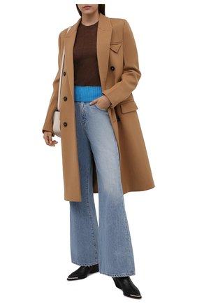 Женский пуловер VICTORIA BECKHAM коричневого цвета, арт. 1521KTP002925A | Фото 2 (Материал внешний: Шерсть, Синтетический материал; Рукава: Длинные; Длина (для топов): Стандартные; Стили: Кэжуэл; Женское Кросс-КТ: Пуловер-одежда)