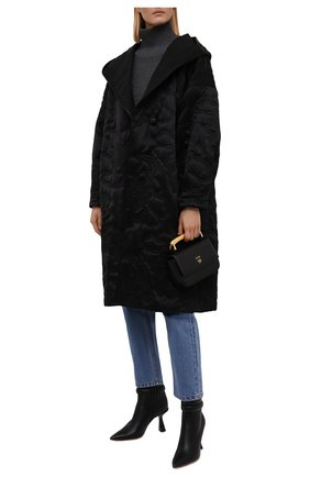 Женское утепленное пальто GIORGIO ARMANI черного цвета, арт. 1WH0L075/T030N | Фото 2 (Длина (верхняя одежда): До колена; Материал подклада: Шелк; Рукава: Длинные; Материал внешний: Шелк; Стили: Кэжуэл; 1-2-бортные: Двубортные)