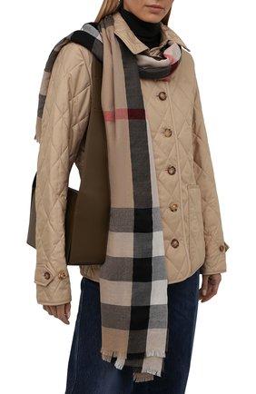 Женский кашемировый шарф BURBERRY бежевого цвета, арт. 8024500   Фото 2 (Материал: Кашемир, Шерсть)
