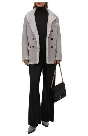 Женская дубленка TOM FORD серого цвета, арт. CSF620-FUX124 | Фото 2 (Материал внешний: Натуральный мех; Стили: Кэжуэл; Длина (верхняя одежда): Короткие; Рукава: Длинные)