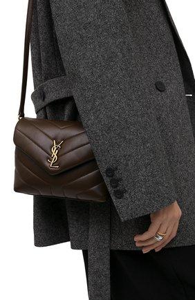Женская сумка loulou toy SAINT LAURENT коричневого цвета, арт. 678401/DV707 | Фото 2 (Материал: Натуральная кожа; Размер: small, mini; Сумки-технические: Сумки через плечо; Ремень/цепочка: На ремешке)