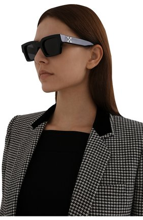 Женские солнцезащитные очки OFF-WHITE черного цвета, арт. 0ERI008Y21PLA001   Фото 2 (Тип очков: С/з)