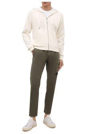 Мужские хлопковые брюки C.P. COMPANY хаки цвета, арт. 11CMPA193A-005529G | Фото 2 (Материал внешний: Хлопок; Стили: Милитари; Случай: Повседневный; Длина (брюки, джинсы): Стандартные)