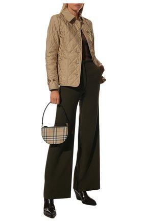 Женская утепленная куртка BURBERRY бежевого цвета, арт. 8023321   Фото 2 (Рукава: Длинные; Длина (верхняя одежда): Короткие; Материал подклада: Хлопок; Материал внешний: Синтетический материал; Кросс-КТ: Куртка; Стили: Кэжуэл)