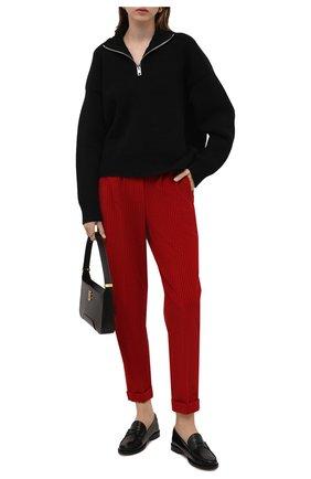 Женские вельветовые брюки KITON красного цвета, арт. D50105W74040   Фото 2 (Материал внешний: Хлопок; Длина (брюки, джинсы): Стандартные; Женское Кросс-КТ: Брюки-одежда; Силуэт Ж (брюки и джинсы): Прямые; Стили: Кэжуэл)