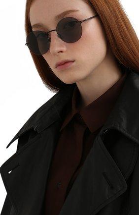 Женские солнцезащитные очки MYKITA черного цвета, арт. KAY0/BLACK/GREY S0LID 002 | Фото 2 (Тип очков: С/з; Материал: Металл; Оптика Гендер: оптика-унисекс; Очки форма: Круглые)