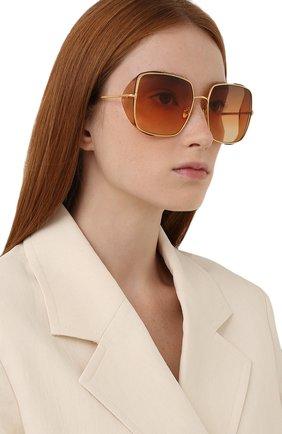 Женские солнцезащитные очки TOM FORD оранжевого цвета, арт. TF901 30F   Фото 2 (Тип очков: С/з; Оптика Гендер: оптика-женское; Очки форма: Квадратные)