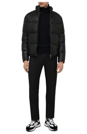Мужская кожаная куртка EMPORIO ARMANI черного цвета, арт. B1R10P/B1P10 | Фото 2 (Материал подклада: Синтетический материал; Материал утеплителя: Пух и перо; Длина (верхняя одежда): Короткие; Рукава: Длинные; Кросс-КТ: Куртка; Стили: Кэжуэл; Мужское Кросс-КТ: пуховик-короткий, Кожа и замша)