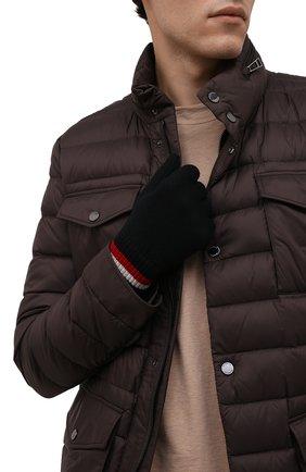 Мужские шерстяные перчатки MONCLER черного цвета, арт. G2-091-3A000-04-A9575 | Фото 2 (Материал: Шерсть; Кросс-КТ: Трикотаж)