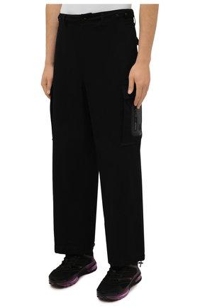 Мужские хлопковые брюки-карго 2 moncler 1952 MONCLER GENIUS черного цвета, арт. G2-091-2A000-22-54A1U | Фото 3 (Силуэт М (брюки): Карго; Длина (брюки, джинсы): Стандартные; Случай: Повседневный; Стили: Гранж; Материал внешний: Хлопок)