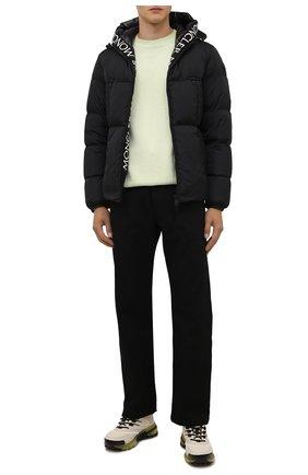 Мужская пуховая куртка montcla MONCLER черного цвета, арт. G2-091-1A001-44-C0300 | Фото 2 (Материал внешний: Синтетический материал; Материал подклада: Синтетический материал; Материал утеплителя: Пух и перо; Кросс-КТ: Куртка; Стили: Гранж; Длина (верхняя одежда): Короткие; Мужское Кросс-КТ: пуховик-короткий; Рукава: Длинные)